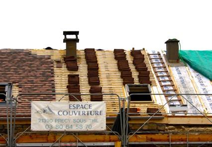 travaux-sur-toiture-espace-couverture-precy-sous-thil